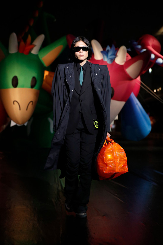 Louis Vuitton Mens | Inflatable Holdall | Spring '21