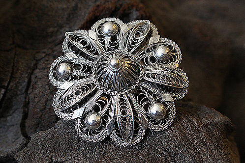 Domb Flower Filigree Ring