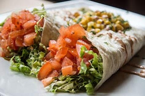 vegetable-salad-on-white-ceramic-plate-t