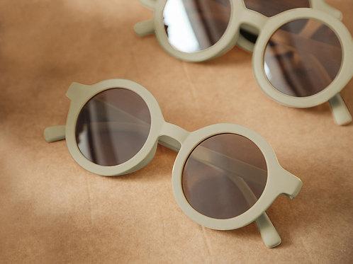 Adults Bay Sustainable Sunnies by Mrs Ertha - Tea Green ladies round sunglassesd