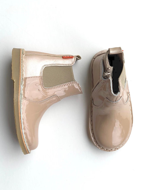 Petasil Chelsea Boot Nude Salmon Patent shoes