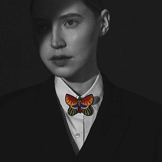 macon&lesquoy-broche-papillon-photo.jpeg