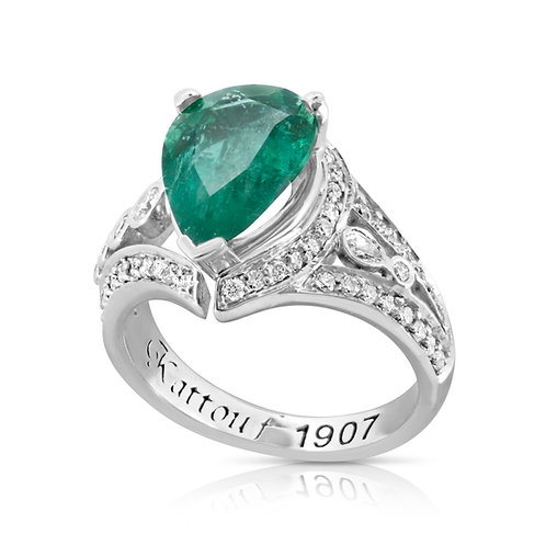 Pear Emerald Bold Prominent Diamond Ring