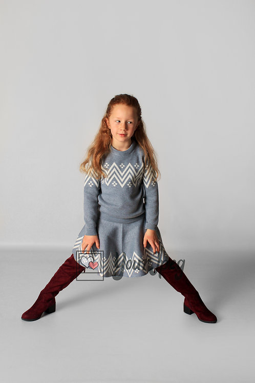 Young Girl With Legs Spread