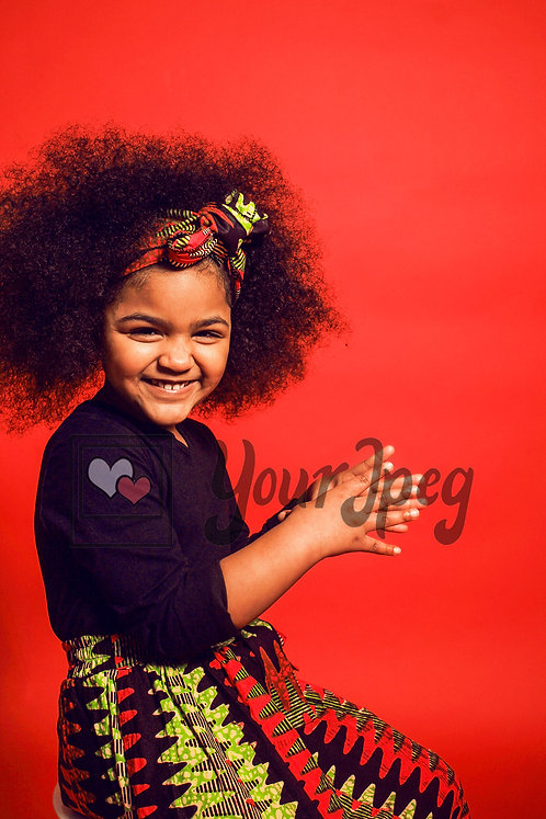 Girl with puffy hair clapping hands