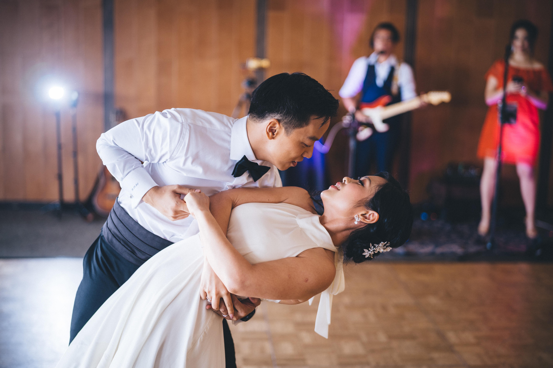 Iris & Tom's first dance
