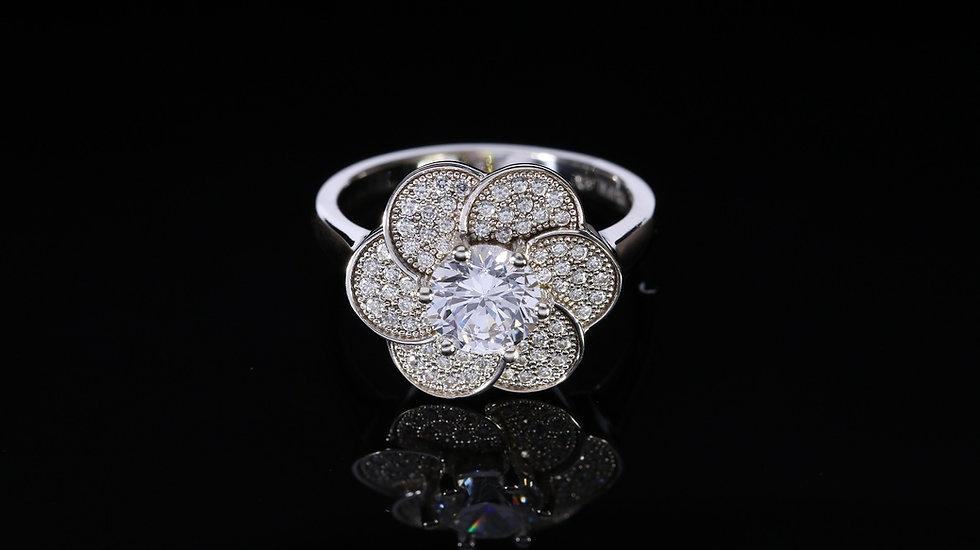 Brilantný dámsky strieborný prsteň