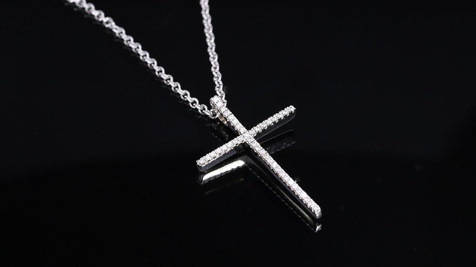 Strieborný  prívesok so zirkónmi krížik