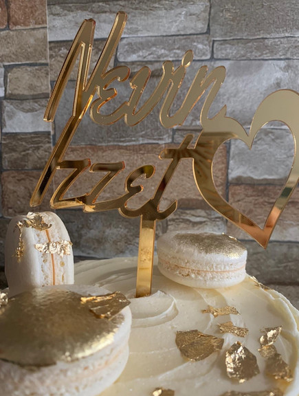 Mirrorred acrylic cake topper