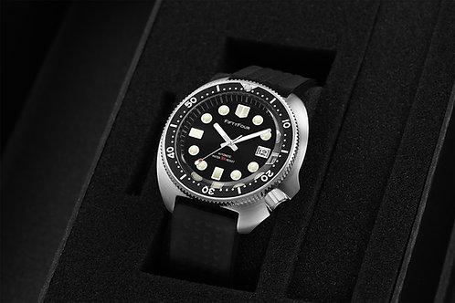 Black VINTAGE 6105 - 8110 AUTOMATIC 300 M DIVER WATCH