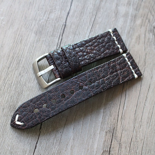 Textured classic genuine leather strap