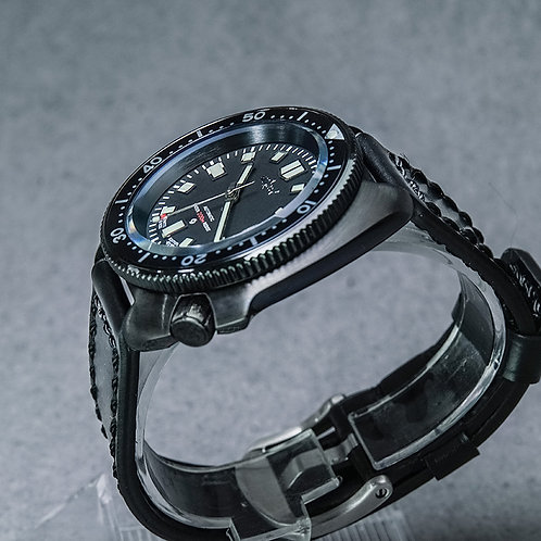 Black 6105-8110 200meters diver watch mechnical NH35A movt