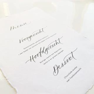 Menukaart op handgeschept papier