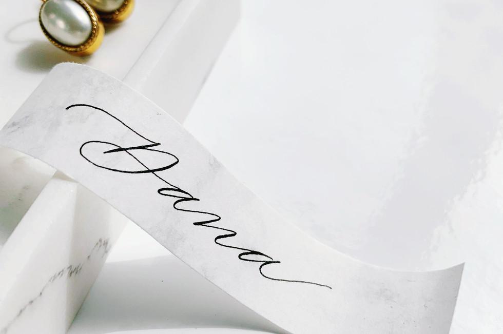 Naamkaartje moderne kalligrafie.JPG