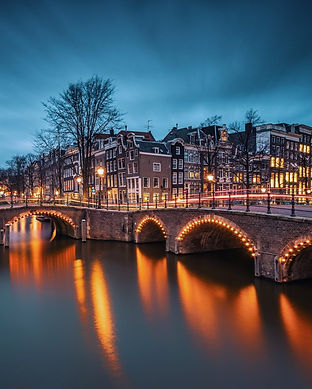 canals amsterdam visit night vondel.jpg