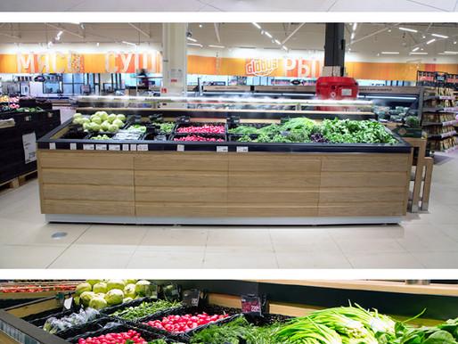 Установка прилавка с системой орошениия овощей и зелени в гипермаркете г. Балашиха