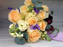 Apricot bridesmaid bouquet