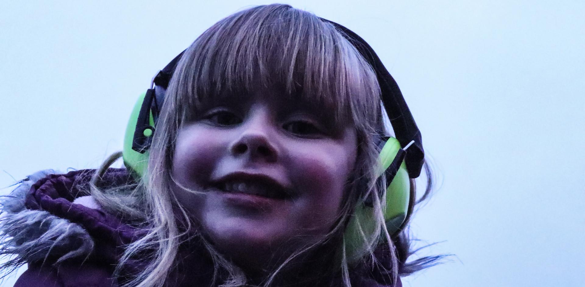 Mit Gehörschutz genießen auch die Kleinsten die Musik