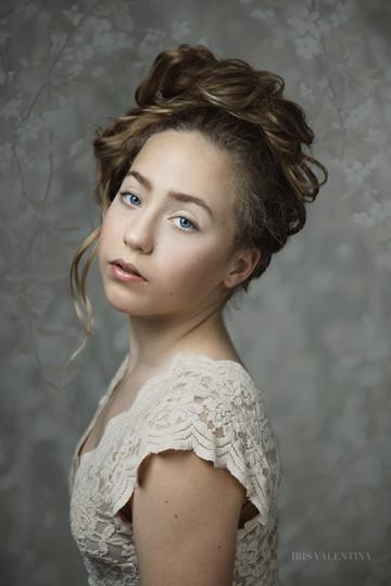 Iris-Valentina-Eva-Linn-2.jpg