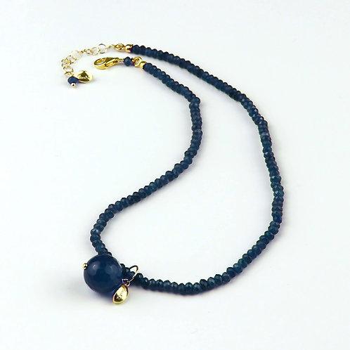 Choker agata blu zaffiro con ciondolo