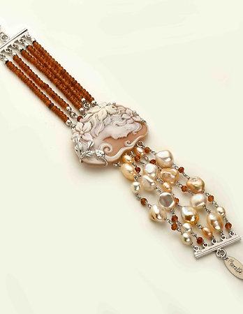 Bracciale Cammeo inciso a mano, agata brown e perle - Pezzi Unici
