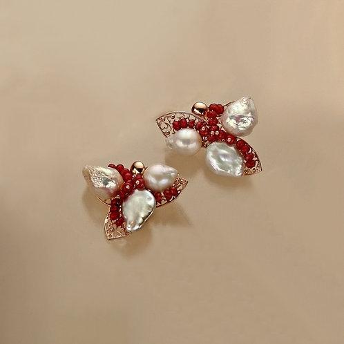 Orecchini traforati agata ruby e perle coltivate