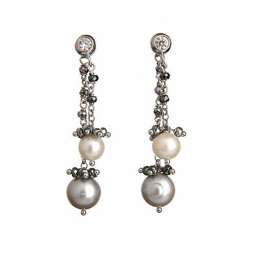 Orecchini rosarietto ematite e perle bianche e grigie