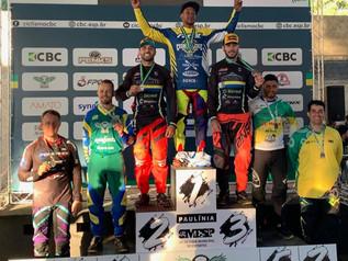 Itapema no Pódio do Brasileiro de BMX Race com Robson Morelli e Edipo Galdino