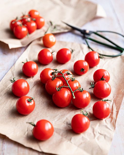 Vine Tomatoes on Brown Paper with Green Scissors _Food Photography_Bonjour Tasty by Floren