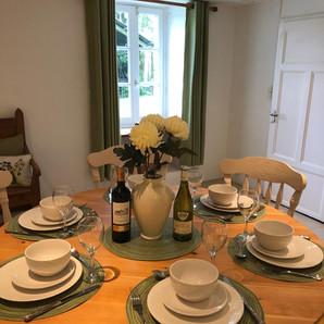 Dining Room Walnut Tree Gite