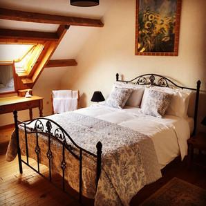 Mezz bedroom at Walnut Tree Gite