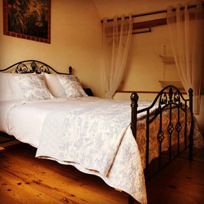 Brittany Holidays Mezz bedroom