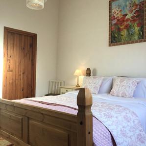 Master Bedroom Walnut Tree Gite