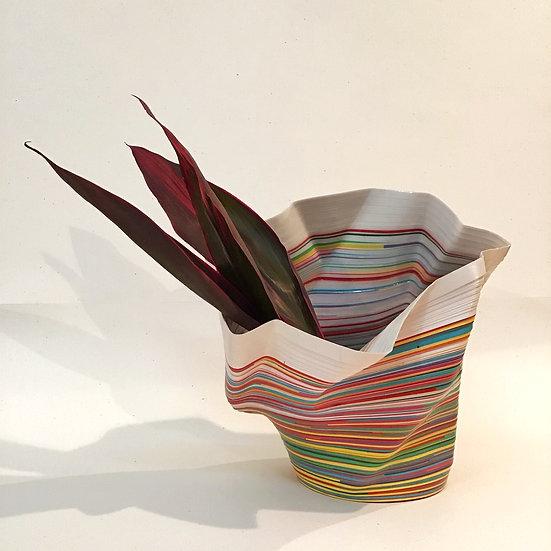 Florero escultórico origami.