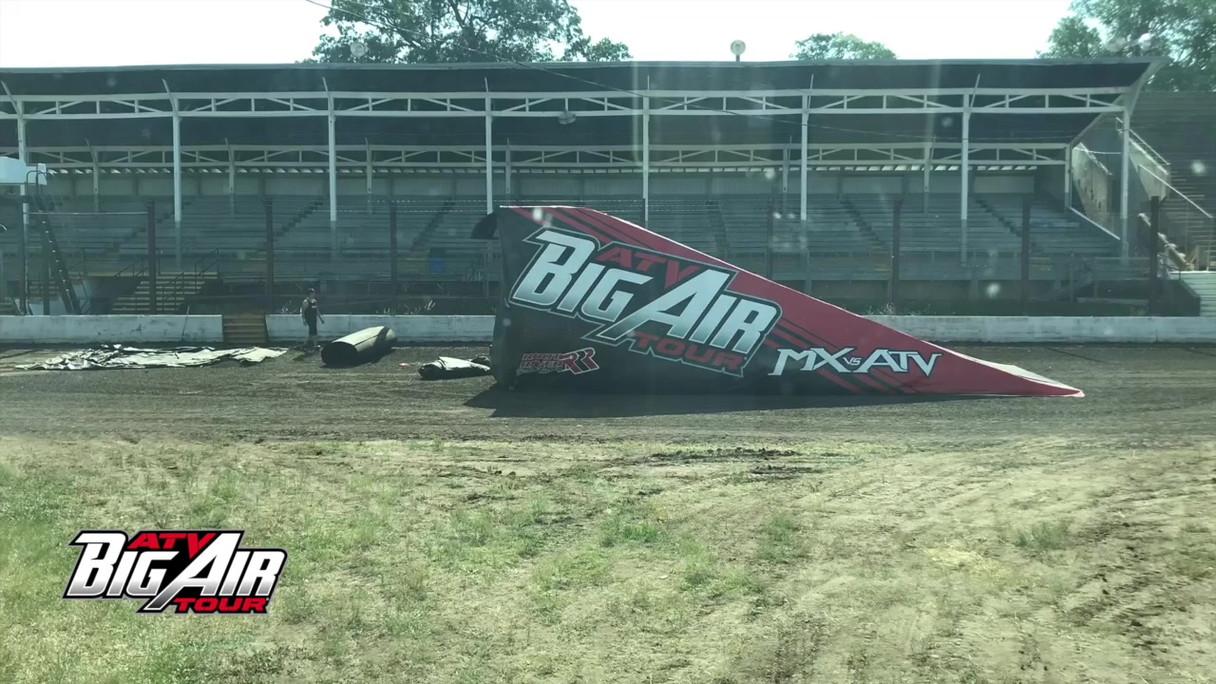 Wapello County Fair - ATV Big Air Tour Set Up Time Lapse .mp4