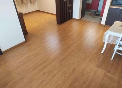 Studio - Swiss Oak (7040)