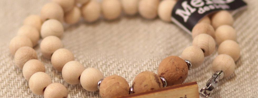 "Usko Itseesi ""Believe in Yourself"" Cork bead bracelet - Natural wood"