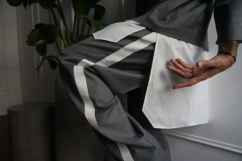 PANTALON COUPE DROITE - BANDES CONTRASTÉES BLANCHE ET NOIRE