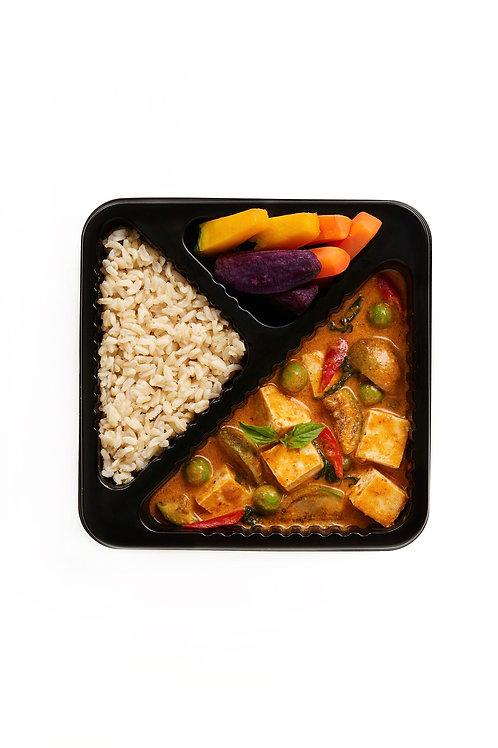 Red curry with tofu and mushroom (v)