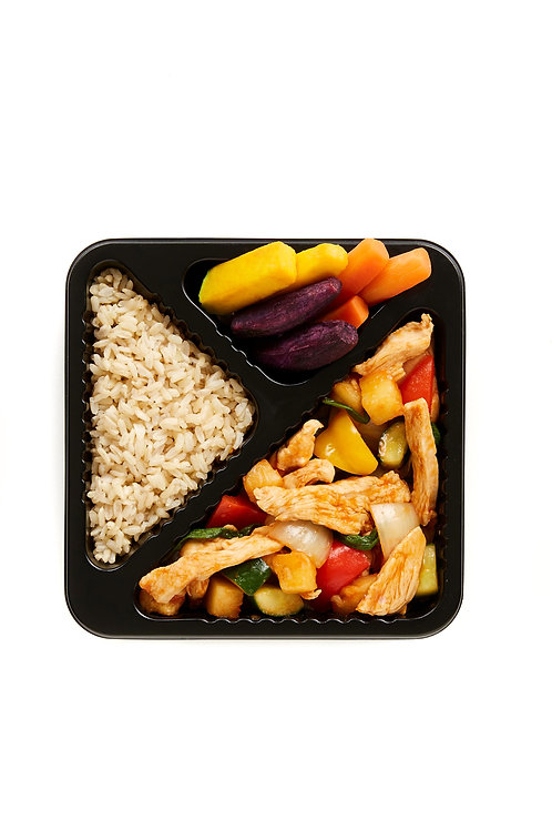 Stir fried chicken with sweet and sour sauce