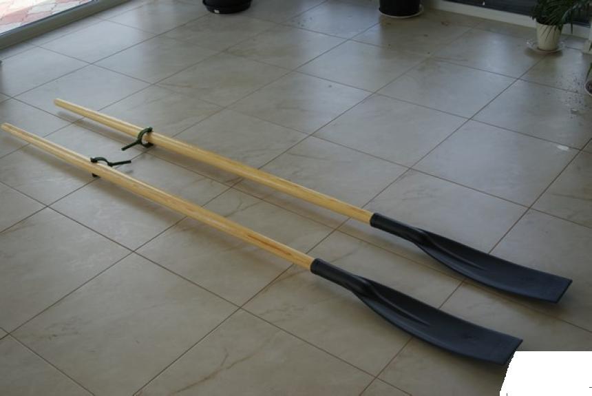 Деревянные лодочные весла