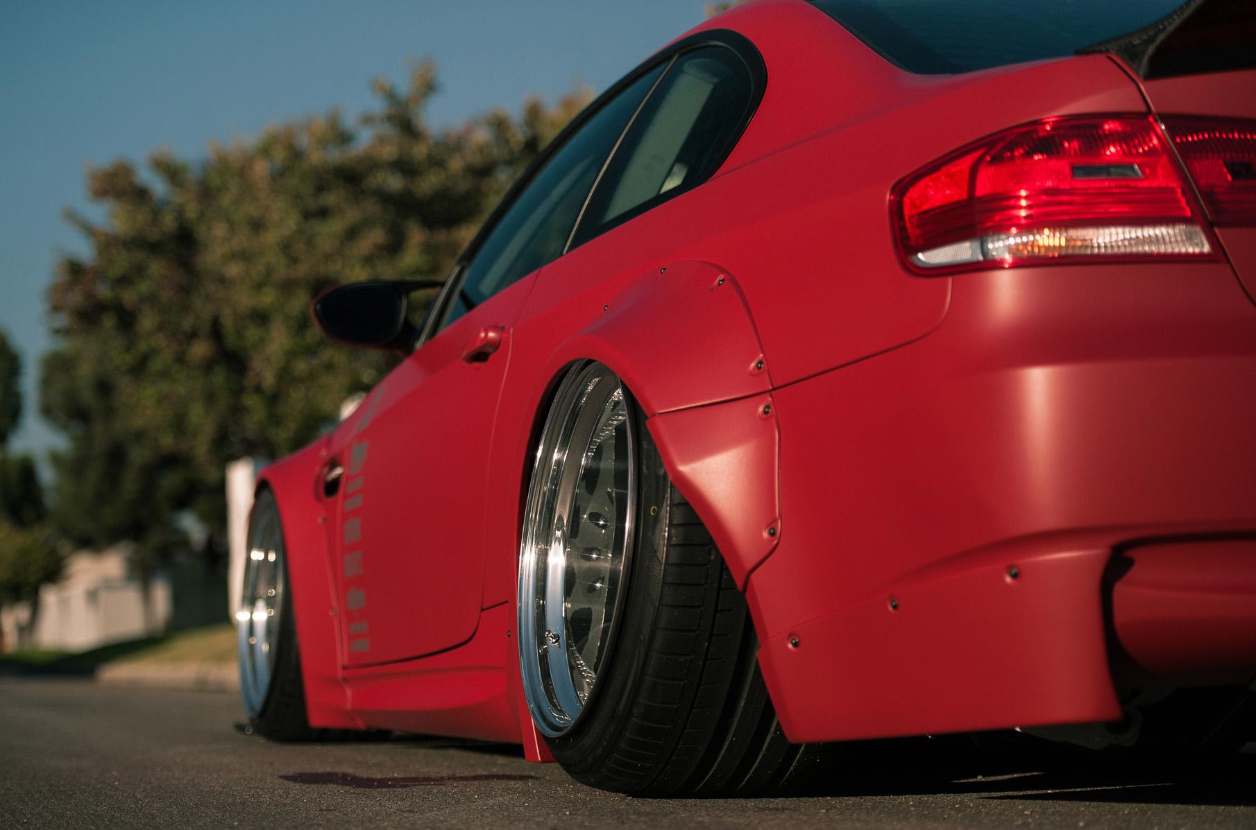 2009_Bagriders_BMW_E92_335ix_tuning_lowrider_wheel______g_1920x1278.jpg