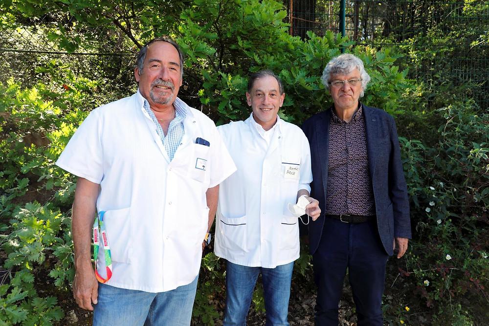 de g à d : Guy Valensi, directeur des soins - Dr Marcel Alchech, directeur de la clinique La Lauranne et Vice -président PACA des CME du privé - Pr Jean Gabert, Chef de Service de Biochimie et Biologie Moléculaire de l'Hôpital Nord et président de SDS