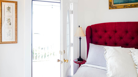 places to stay in Starland arts district