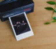 Fotografía del equipo de fotógrafos, videógrafos y diseñadores de La Vida en Ratitos. Profesionales que ofrecen servicios de fotografía, video y diseño para bodas en Zamora, Salamanca, Valladolid y resto de España, incluso nos desplazamos por todo el mundo. Para el que busca el mejor reportaje de bodas al mejor precio con un estilo natural y artístico, capturando emociones y sentimientos en un día tan especial.