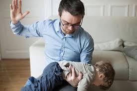 Dad-Spanking-Kid