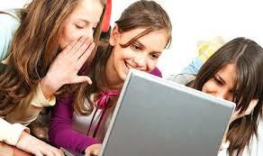 Teens-On-Computer