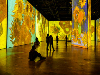 Immersive Van Gogh Experiences Blooming Across the United States Like Sunflowers