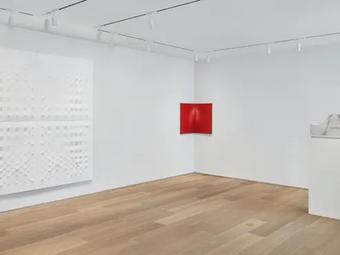 Art Index: Enrico Castellani