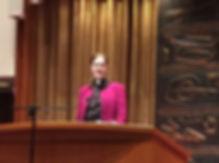 Liddy Barlow preaching Temple Sinai Thanksgiving